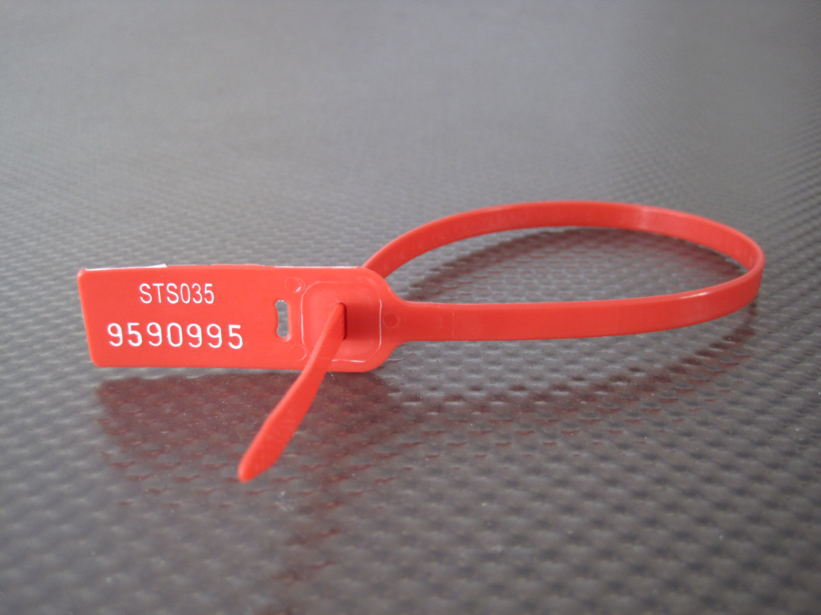 locksecure-red-pulltight-seal